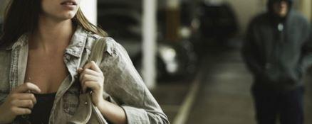 Lamezia, la perseguita per 13 anni: divieto di dimora per lo stalker