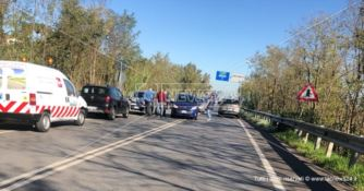 Tamponamento sulla statale 107 a Rende, traffico bloccato