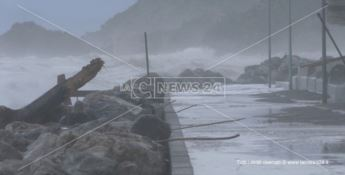 Tortora, il consigliere: «Le carte contro l'erosione costiera dormono in Regione»