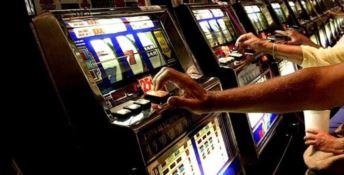 """Gioco d'azzardo in Calabria, """"in fumo"""" 462 milioni di euro"""
