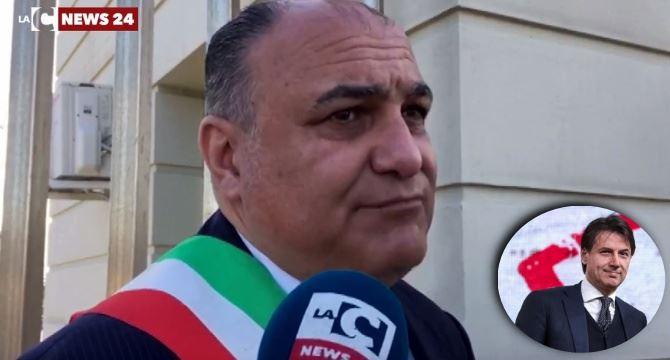 Locri, il sindaco Calabrese e il premier Conte