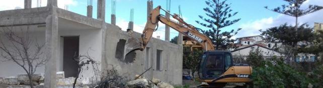 In Calabria tremila case abusive da abbattere. Come in Sicilia i Comuni fanno finta di niente