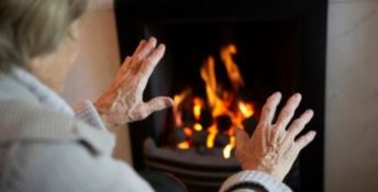 In Calabria tanti anziani patiscono il freddo. La metà non ha i soldi per il riscaldamento