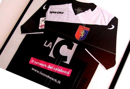 La maglietta donata a LaC