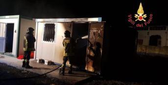 Catanzaro, incendio doloso distrugge un container a Germaneto