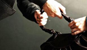 Scippa una donna e fugge con la borsa, arrestato 23enne a Cosenza
