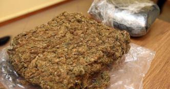 Un panetto di marijuana - Repertorio