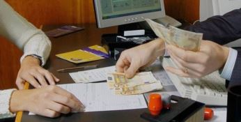 Ha spostato un milione di euro sui conti dei poveri, in manette direttore di Banca