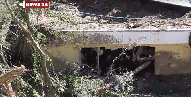 Un frame del reportage sui danni del maltempo nelle Preserre vibonesi