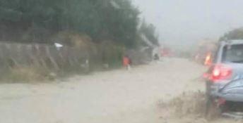 Maltempo nel Crotonese, frane sulla 106. Monitorato il fiume Esaro
