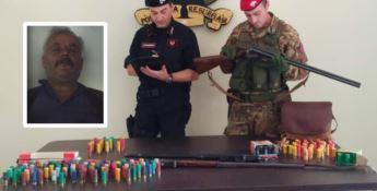 Cittanova, nascondeva armi nella mangiatoia della stalla: arrestato