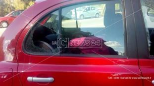 Rende, rubano borse dalle auto mentre i genitori portano i figli a scuola: indagini