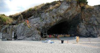 Arcomagno, ordinato lo sgombero della Grotta del Prete
