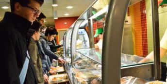 Catanzaro, pasti fantasma con le tessere mensa dell'Università