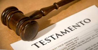 Si impossessa di un'eredità falsificando il testamento, sequestro per 130mila euro