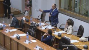 Cosenza, opposizione all'attacco: «Cartelle pazze dal Comune»