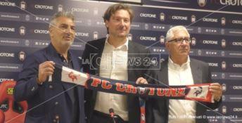da sinistra: il presidente del Crotone Gianni Vrenna, mister Giovanni Stroppa, e il ds Beppe Ursino