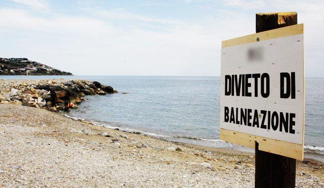 Quei bagni estivi vietati a Reggio Calabria
