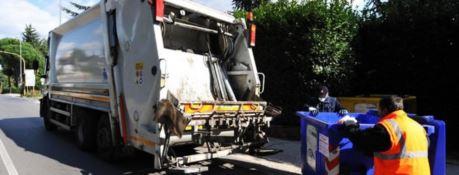 Comuni morosi nella Locride, raccolta rifiuti a rischio: «Crediti per oltre 2 milioni»