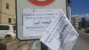 Cartello stradale sostituito di notte: decine di automobilisti multati a Cosenza