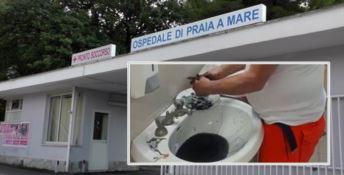 Medico pulisce seppie nel bagno dell'ospedale, l'Asp lo manda via