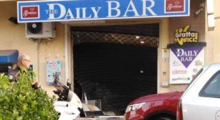 Castrolibero, assalto al bar tabacchi. Ladri messi in fuga dai carabinieri