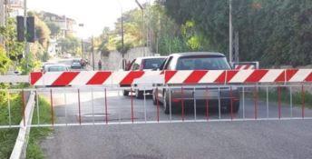 """Panico a Ricadi, auto """"sfidano"""" il passaggio a livello"""