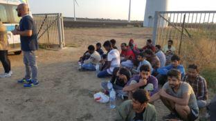 I migranti sbarcati ad Isola Capo Rizzuto