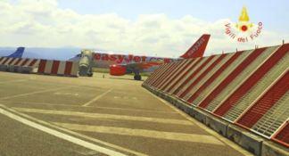 Paura sul volo Lamezia-Malpensa, stormo di uccelli manda il motore in avaria