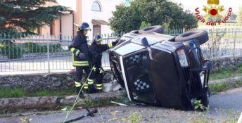 Auto si ribalta nel Vibonese, conducente in ospedale