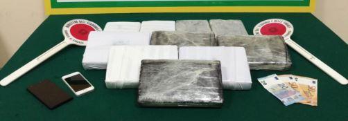 Trasportava 11 chili di cocaina, arrestato a Messina  corriere della droga calabrese