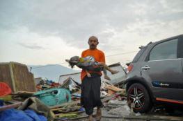 Il terremoto fa strage in Indonesia, più di 380 morti
