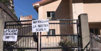 Una scuola mai completata, a Longobucco la protesta degli studenti