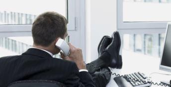 Per i dirigenti regionali ricariche telefoniche da 600 euro al mese