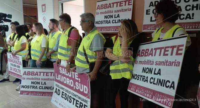 I lavoratori del Marrelli hospital a Crotone
