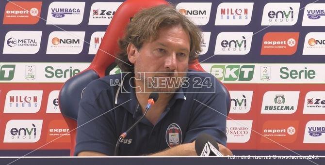 L'allenatore del Crotone, Giovanni Stroppa