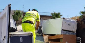 «Troppi dipendenti in malattia» e l'azienda fatica a smaltire i rifiuti