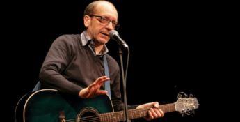 Altomonte, al festival Euromediterraneo la comicità di Dario Vergassola