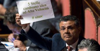 Il Senato dice Sì alla Tav, il M5s vota contro il proprio governo: è caos