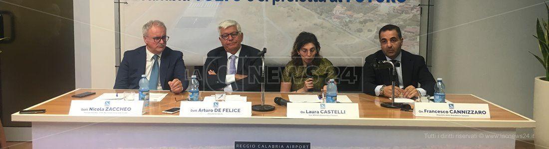 L'incontro a Reggio per illustrare i nuovi interventi di riqualificazione dell'aeroporto