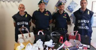 Falsi articoli griffati, sequestrata merce per un valore di 20mila euro