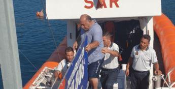 Naufragano al largo di Pizzo, salvati un bambino e due adulti