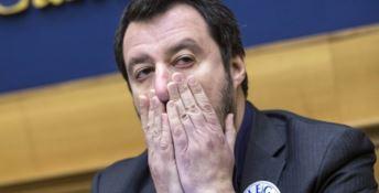 Salvini in difficoltà