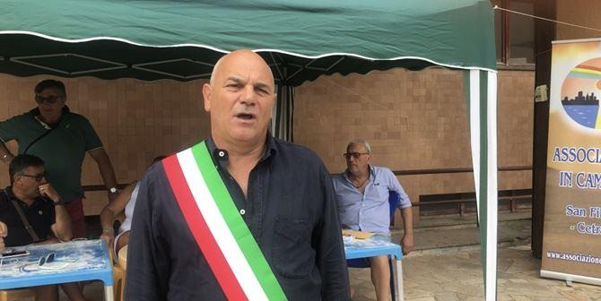 Sit-in del sindaco Angelo Aita all'ospedale di Cetraro