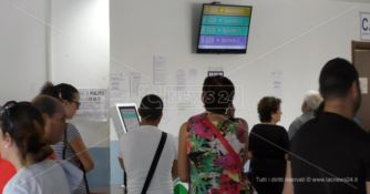 Ospedale di Lamezia, ore di attesa per le prenotazioni: utenti esasperati