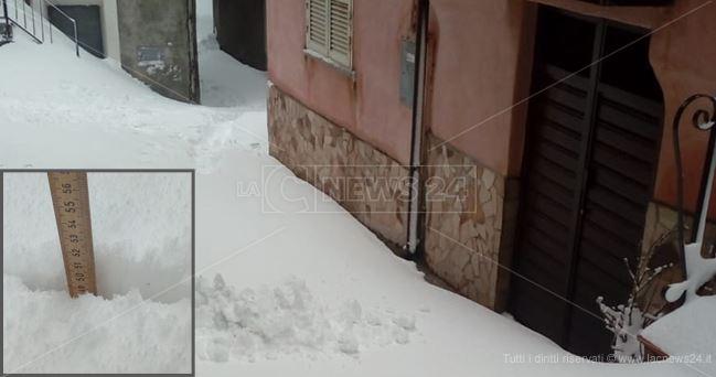 Longobucco (CS) 790 m s.l.m. neve al suolo domenica 24 febbraio 2019 - Fonte: lacnews24.it