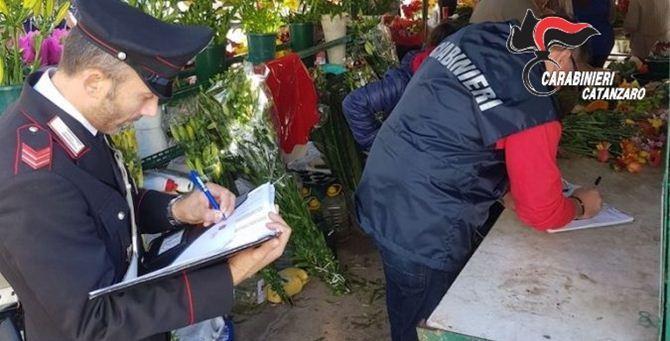 I carabinieri sul luogo del furto
