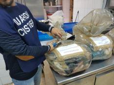 Reggio, seicento chili di pesce sequestrati dalla guardia costiera