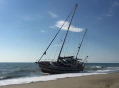Barca in avaria, salvati quattro pescatori a Caulonia