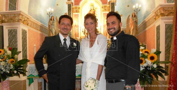 Gli sposi e don Francesco